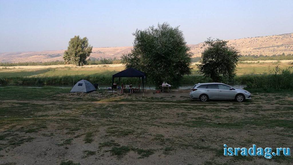 Наш лагерь на реке Иордан в Израиле