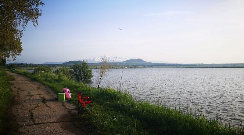 6. Вид заснеженной горы Хермон. Озеро Бенталь. Израиль. Апрель 2019