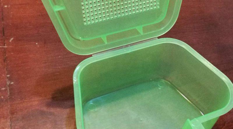 Дешевая коробка для наживки с сайта алиэкспресс в открытом состоянии