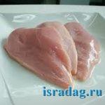 Сырое куриное мясок как наживка для морской рыбалки на Средиземном море